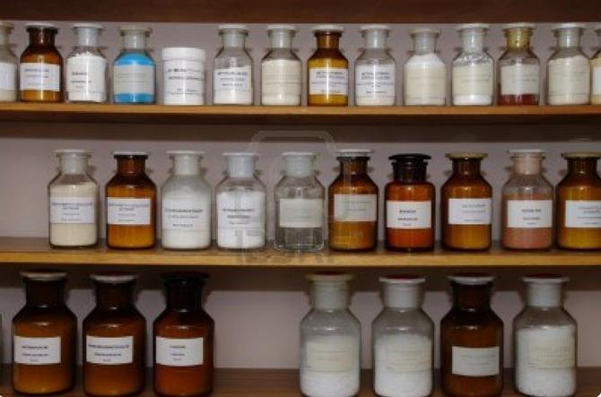 Những hóa chất thường gặp trong xử lý nước thải công nghiệp lĩnh vực dệt nhuộm
