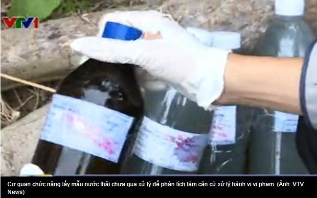 Lấy mẫu nước thải chưa qua xử lý để phân tích thành phần, nồng độ và mức đố gây hại