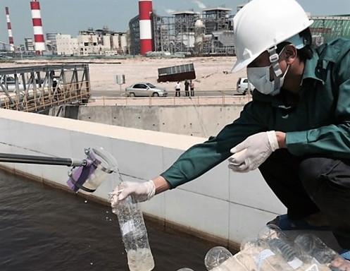 Xử lý nước thải sinh hoạt đã phức tạp, thì công tác xử lý nước thải công nghiệp lại diễn ra phưc stapj hơn